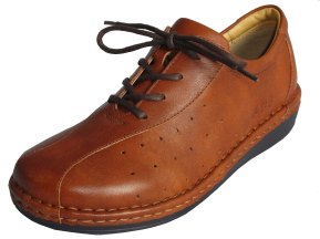 La piel de zapatos, bolsos, chaquetas, etc., se tratan con alumbre para su mejor conservación.