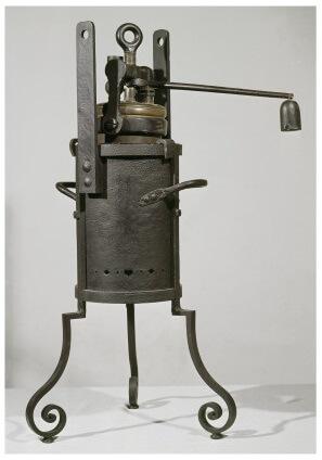 Digesteur-ou-Marmite-de-Papin-Musée-des-Arts-et-Métiers-à-Paris