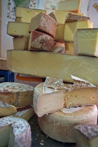 La fermentación que se produce en los quesos genera glutamato
